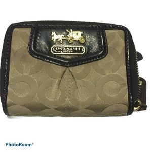 coach madison khaki purple zip wallet  style 43527
